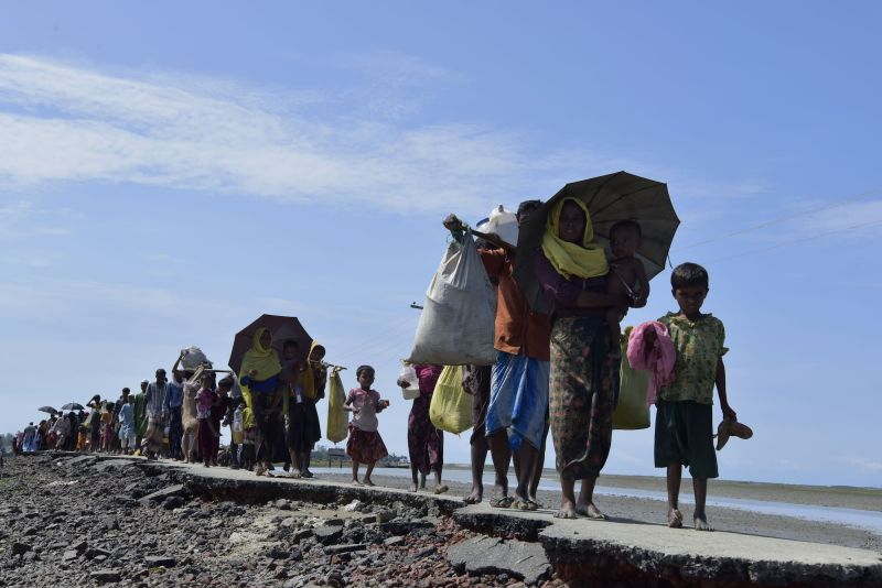 Rohingya Muslims fleeing Myanmar, travelling through Bangladesh