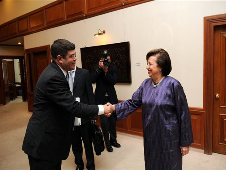 Neal Wolin and Malaysian Central Bank Governor Tan Sri Dr. Zeti Akhtar Aziz