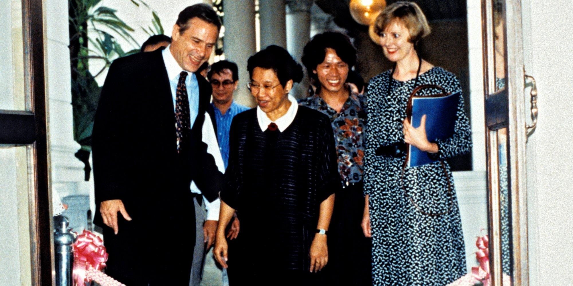 Opening event: Silpakorn University (Australian Ambassador John McCarthy, Somporn Rodboon, Anne Kirker)