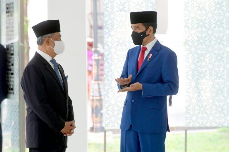 Jokowi and Muhyiddin