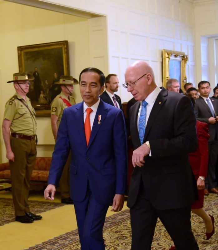 Widodo with Governor-General